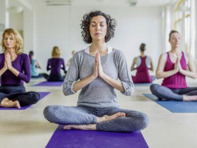 Feelgood's news – Ausgabe Oktober – November 2018 –Dank Yoga fit und ausgeglichen