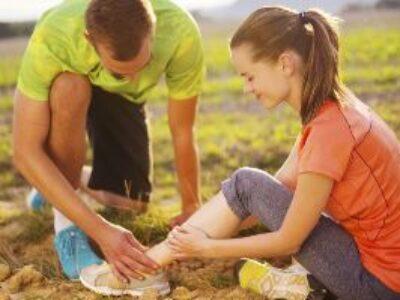 Premiers secours en randonnée – que faut-il emporter ?